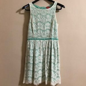 Elle Lace Dress - Size 4